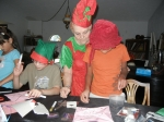 kids creating ornament