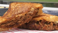 Pulled pork grilled Cheese-Crop