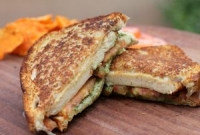 CUISINE'S BEST GRILLED CHEESE TRUCK - Italian Hippy